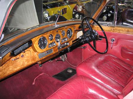 surrey wedding cars S3 Bentley Silver Cloud interior front