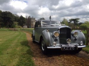 Wedding cars surrey bentley r type front view 4